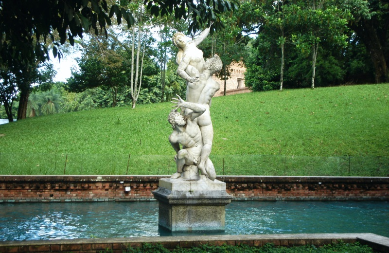 Estátua no Instituto Ricardo Brennand, em Recife