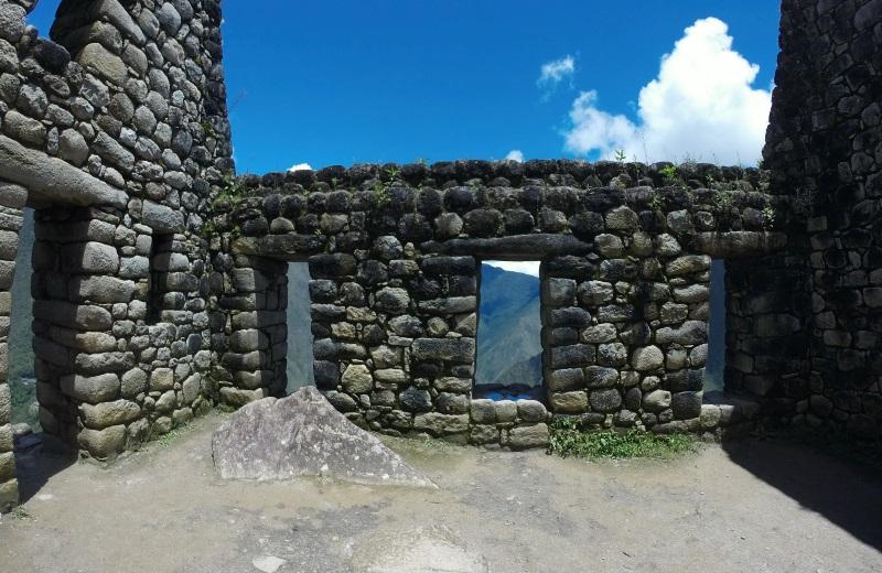 Ruínas Incasno topo do Waynapicchu em Machu Picchu