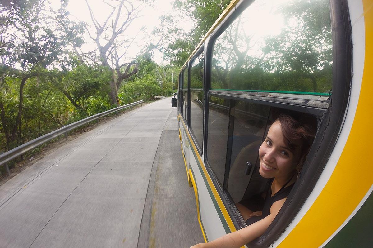 Circulando de ônibus na Ilha de San Andrés