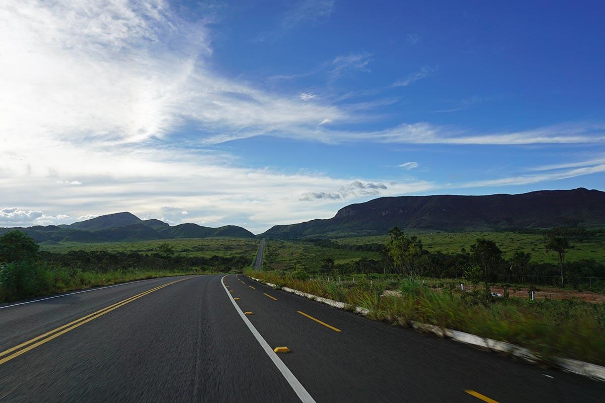 Estrada para a Vila de São Jorge na Chapada dos Veadeiros