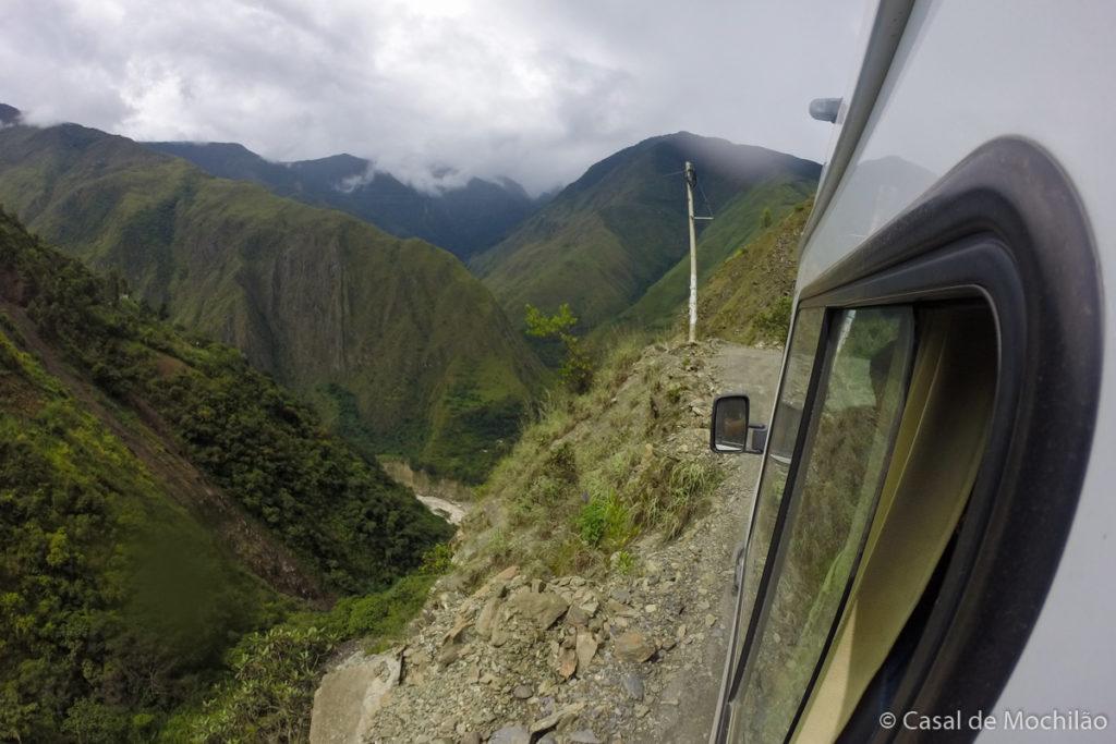 Como ir a Machu Picchu: Van na estrada para a Hidroelétrica